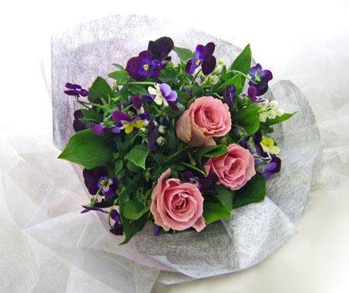 パンジーとすずらんの花束