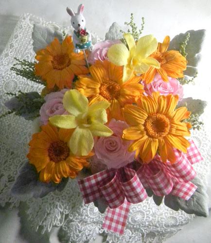 お誕生日祝いのプリザーブドアレンジ