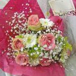 ガーベラとバラのお誕生日お祝いの花束
