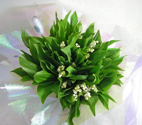スズラン50本の花束