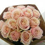 バラ(アバランチェ)の花束