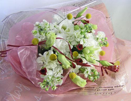 トルコキキョウとストックの花束