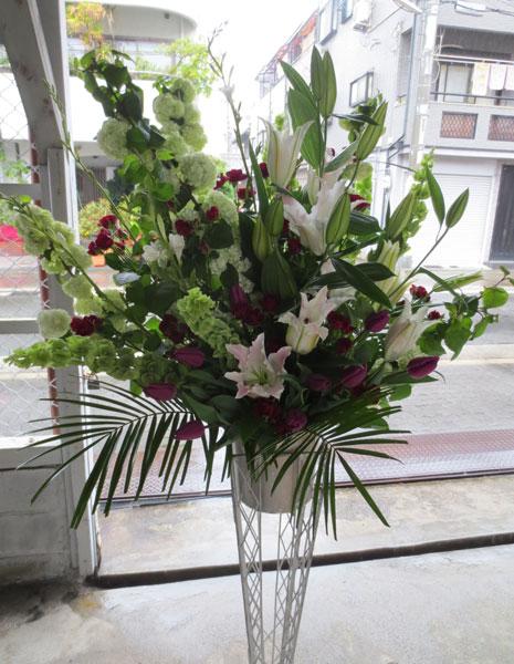 お祝いのスタンド花
