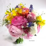 ラナンキュラスとムスカリの花束