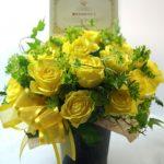 黄色いバラのアレンジメント