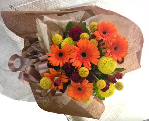 ガーベラとクラスペディアの花束