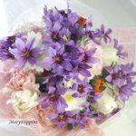 リューココリーネとキンセンカの花束