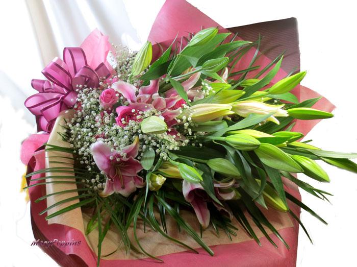 百合の花束