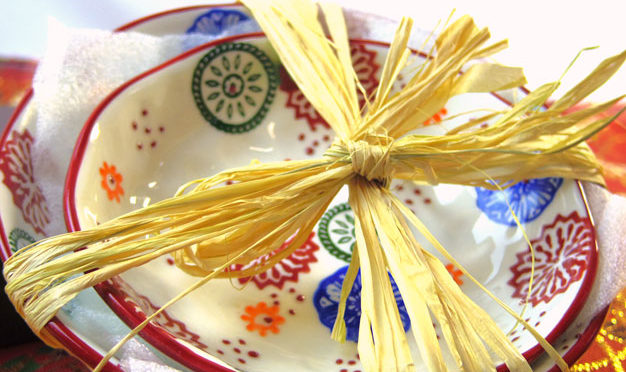 敬老の日や、お祝いのお花とご一緒にどうぞ|花柄絵付け和皿のギフトセット