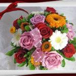 金盞花と薔薇のアレンジメント