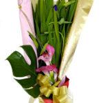 杜若とカラーの花束