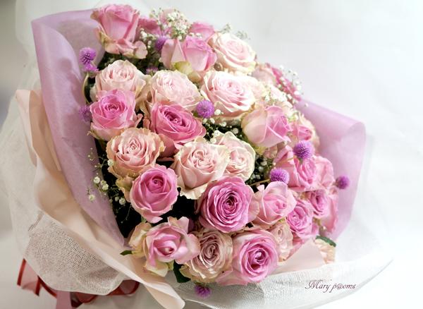 バラとかすみそうの花束