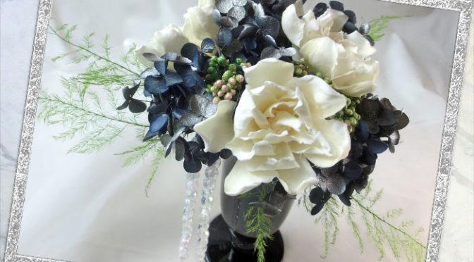 プリザーブドの梔子のアレンジメント〜Gardenia