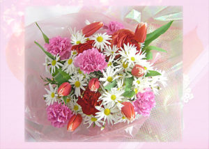 ラナンキュラスとマーガレットの花束