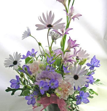 青いお花のアレンジメント〜blooms of blue
