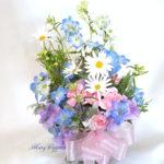 青い小花のアレンジメント