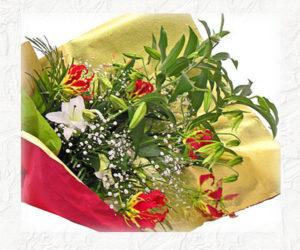 カサブランカとグロリオーサリリーの花束