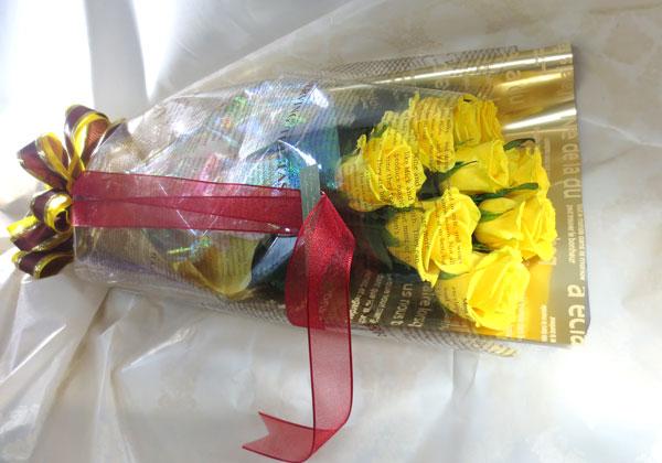 黄色い薔薇の花束