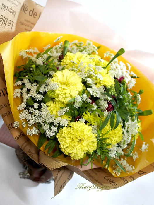 お御祝の花束